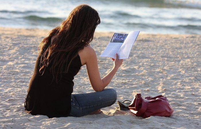 Čitanje na plaži
